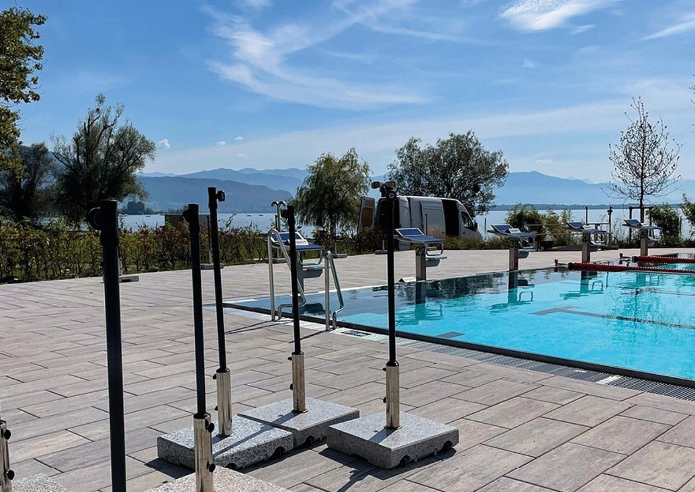 Einwinterung Strandbad: Das Strandbad wird winterfit gemacht. Nach einer abschließenden Reinigung werden die Sonnenschirme und die Liegen verräumt, die Leitungen gespült und es finden Ausbesserungsarbeiten an den Aussenanlagen statt.