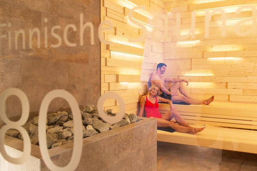 therme-textilwellness-finnische-sauna